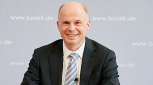 Dr. Karsten Heegewaldt