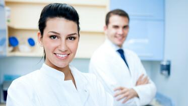 Zahnärztin in Praxis