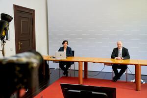 Jette Krämer und Dr. Karsten Heegewaldt